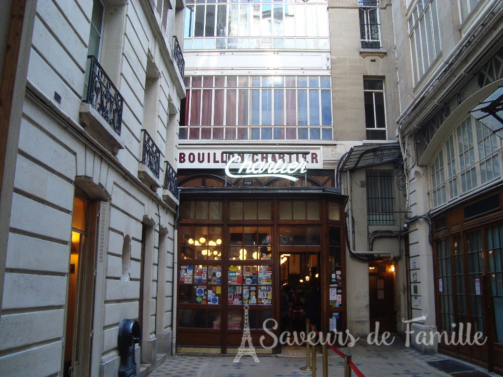 Entrance to the Bouillon Chartier restaurant
